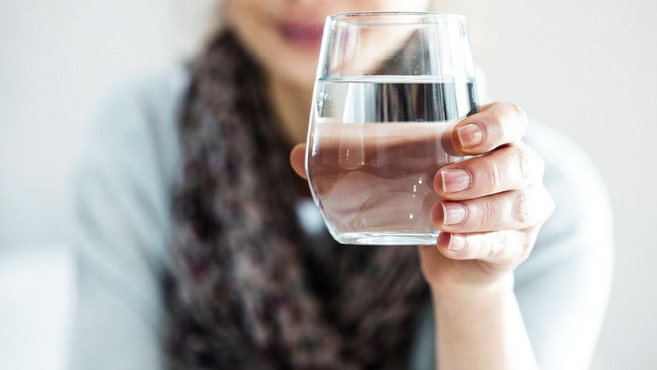 Zaskakujące korzyści zdrowotne płynące z picia wody