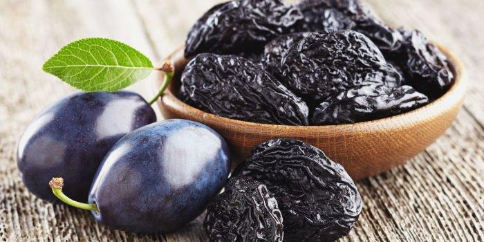 5 powodów, dla których warto jeść suszone śliwki