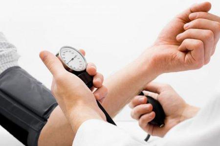 Zredukuj wysokie ciśnienie krwi w 5 minut dzięki tej łatwej technice!