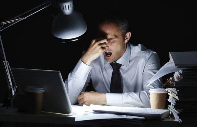 Ryzyko zawału w pracy siedzącej i jak je minimalizować