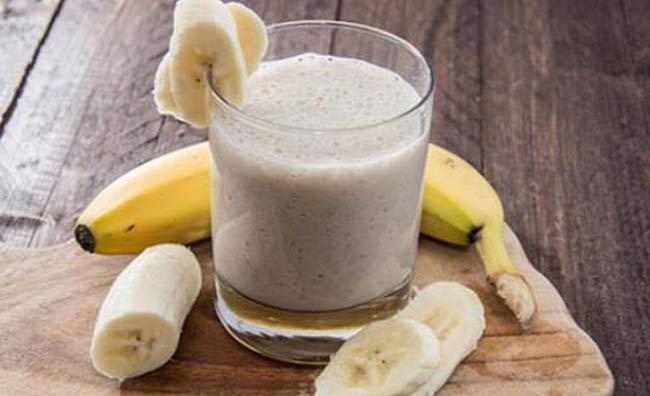 Banany z miodem i wodą