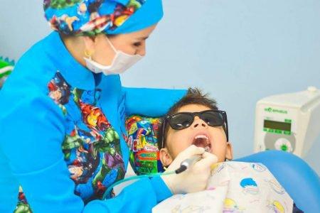 przegląd zębów u dentysty