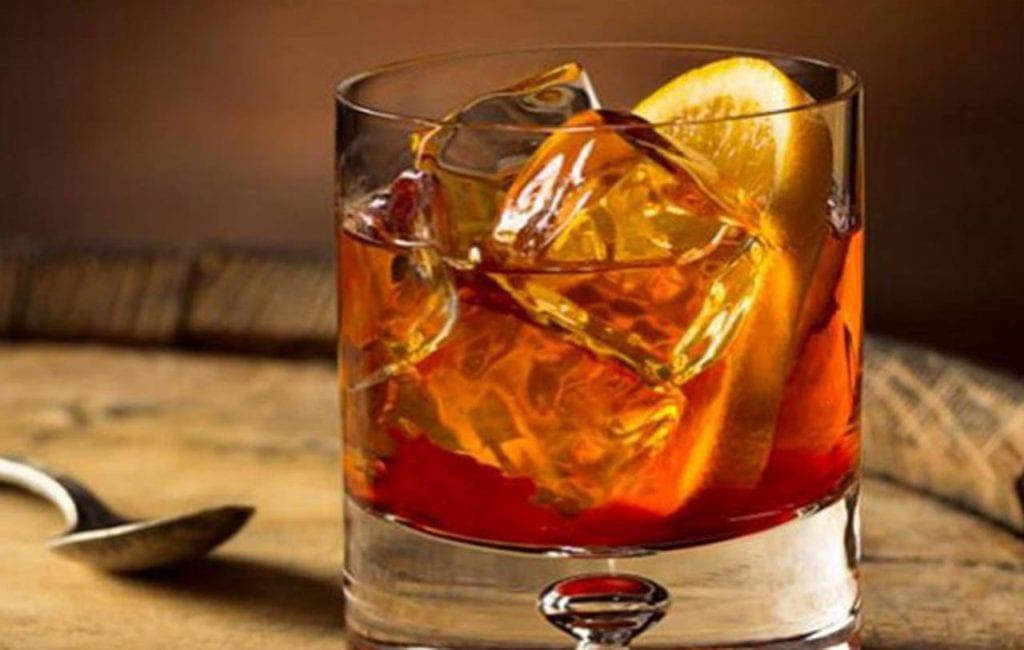 whiskey z cynamonem