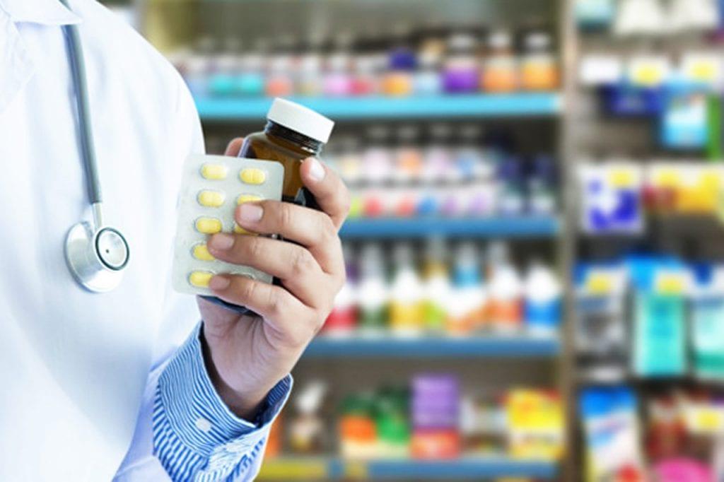 Czym grozi przyjmowanie leków po terminie