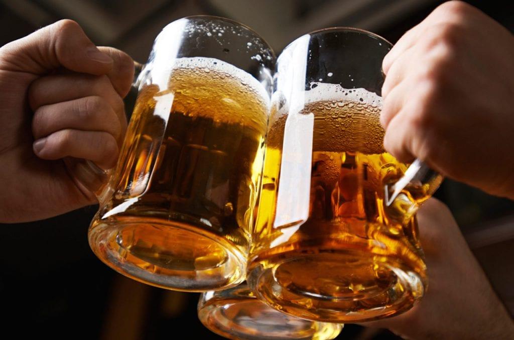 Ile kalorii mają popularne alkohole