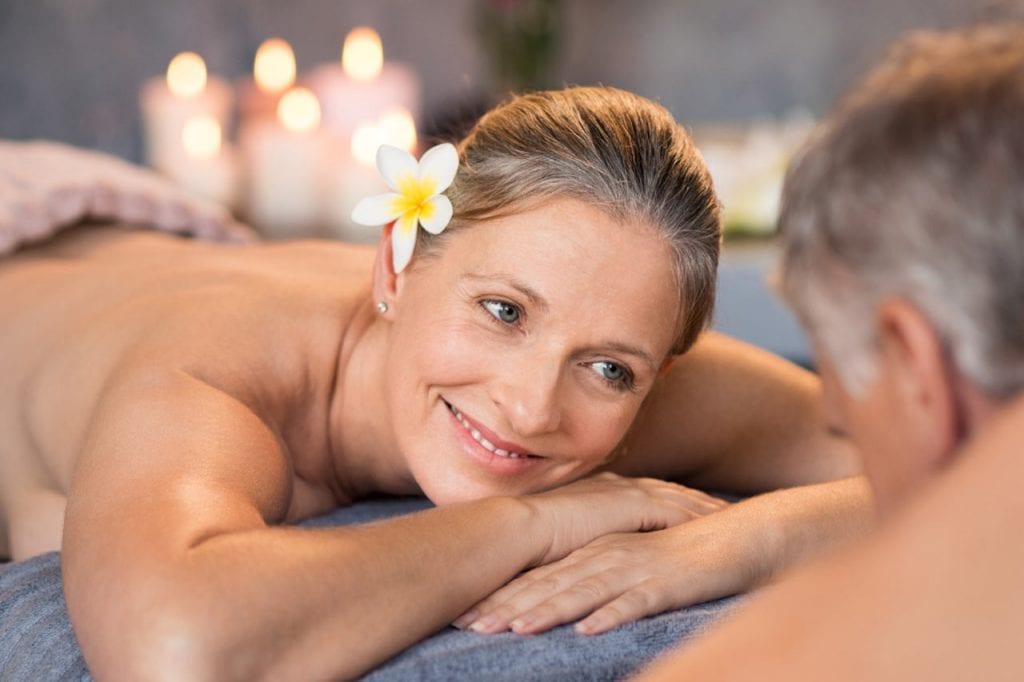 Odprężający masaż partnerski
