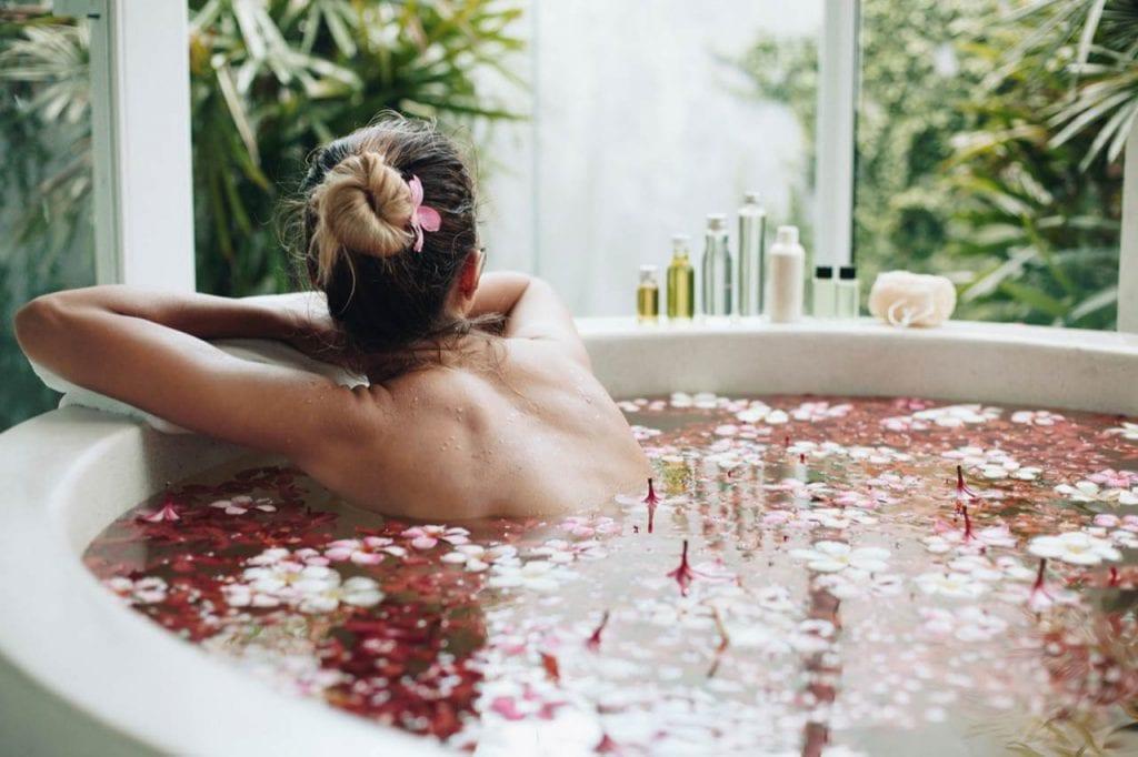 Relaksujące i lecznicze działanie kąpieli