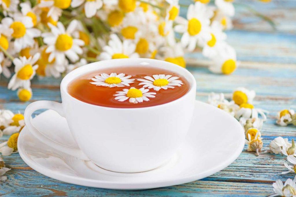 Jak przyrządzić napar z kwiatów rumianku?